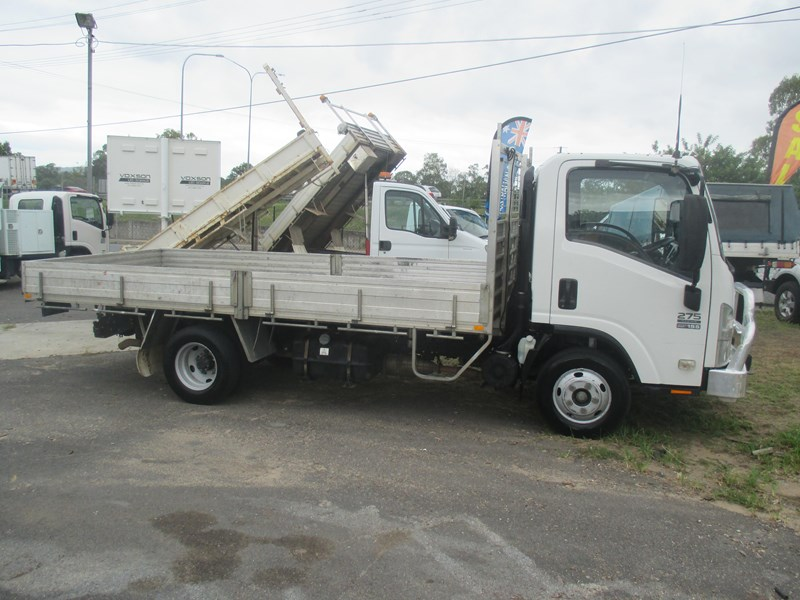 isuzu npr275 medium premium 458246 001