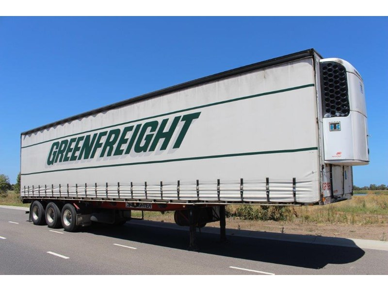 freighter st3 tri axle 22 pallet refrigerated curtainsider 459453 001