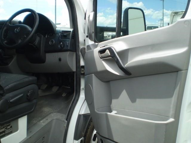mercedes-benz sprinter 464757 008