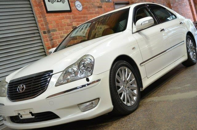 toyota crown 460399 007