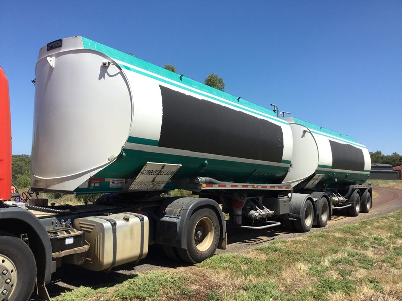 marshall lethlean 19 meter b double set fuel tanker 472477 007