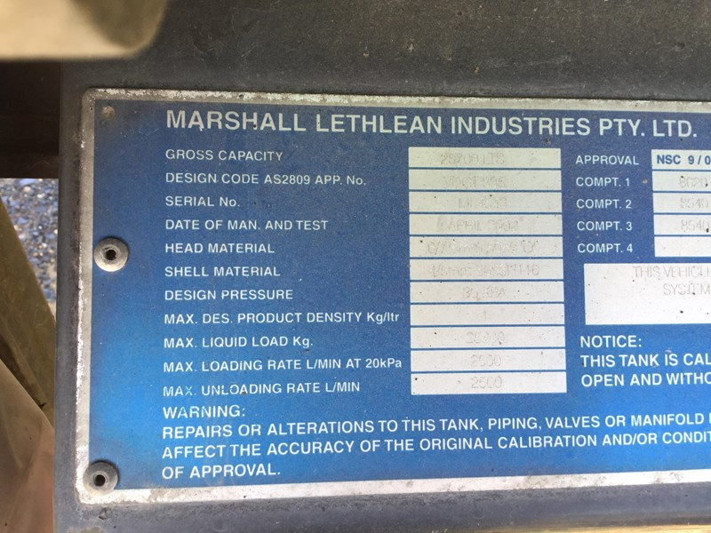 marshall lethlean 19 meter b double set fuel tanker 472477 010