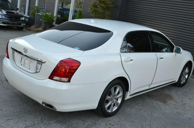 toyota crown 477393 022