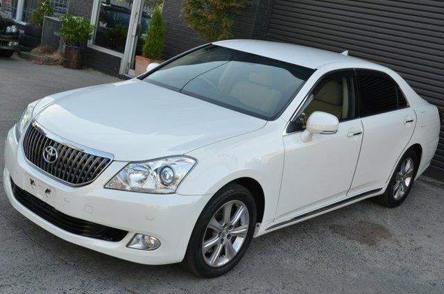 toyota crown 477393 002