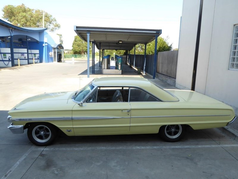 ford galaxie 492077 004