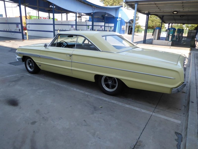 ford galaxie 492077 007