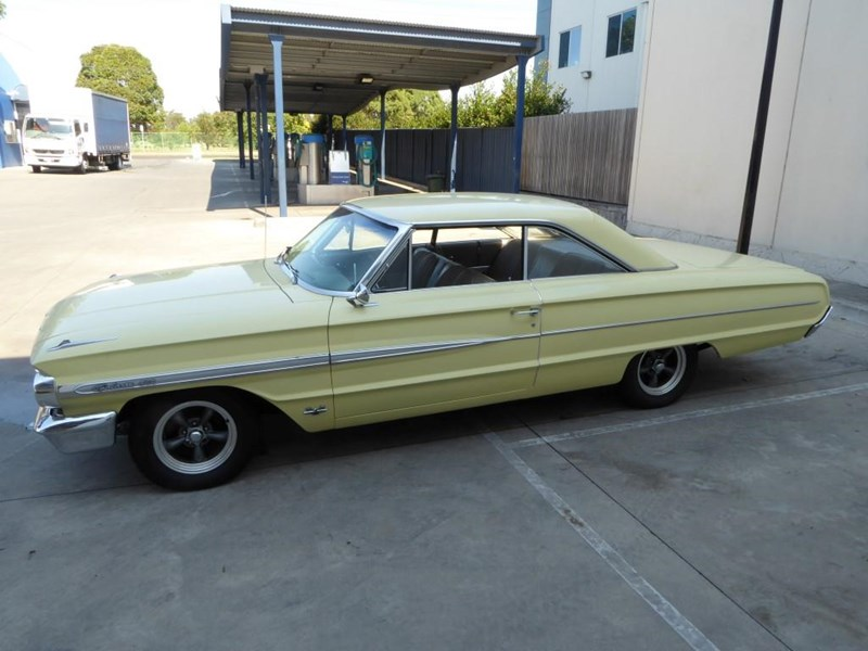 ford galaxie 492077 009