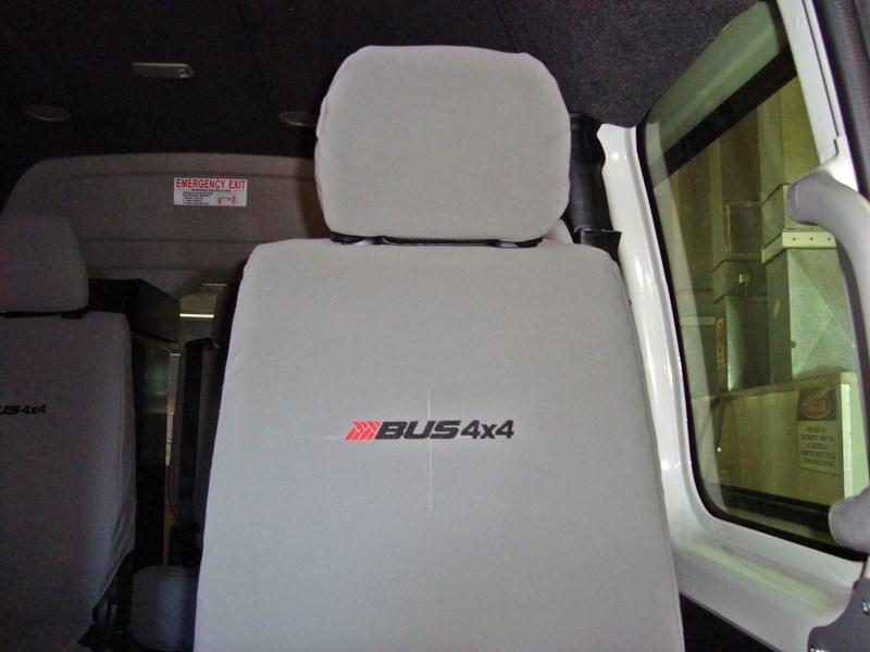 unknown bus 4x4 seat covers 496350 001