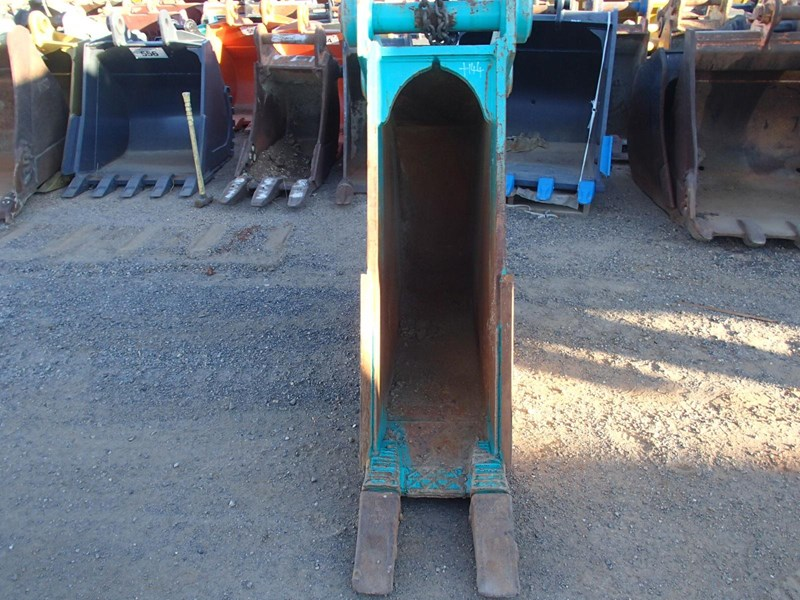 unknown 450mm trenching bucket 496838 002