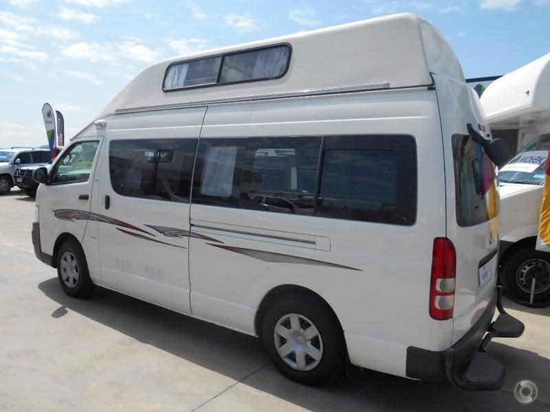 toyota hiace voyager 497578 009
