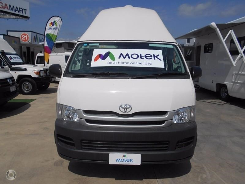 toyota hiace voyager 497578 013