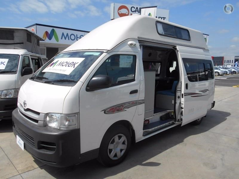 toyota hiace voyager 497578 002