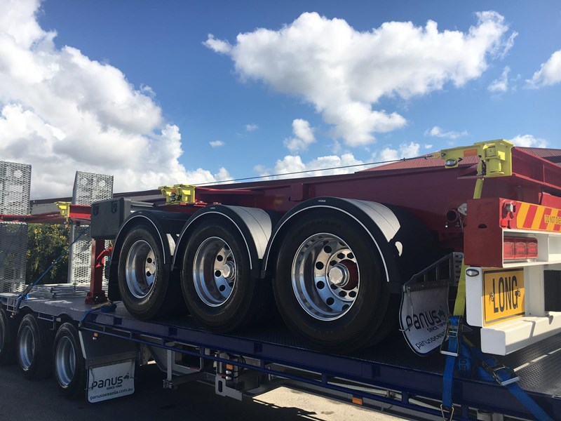 panus retractable skeletal semi trailer 499267 002
