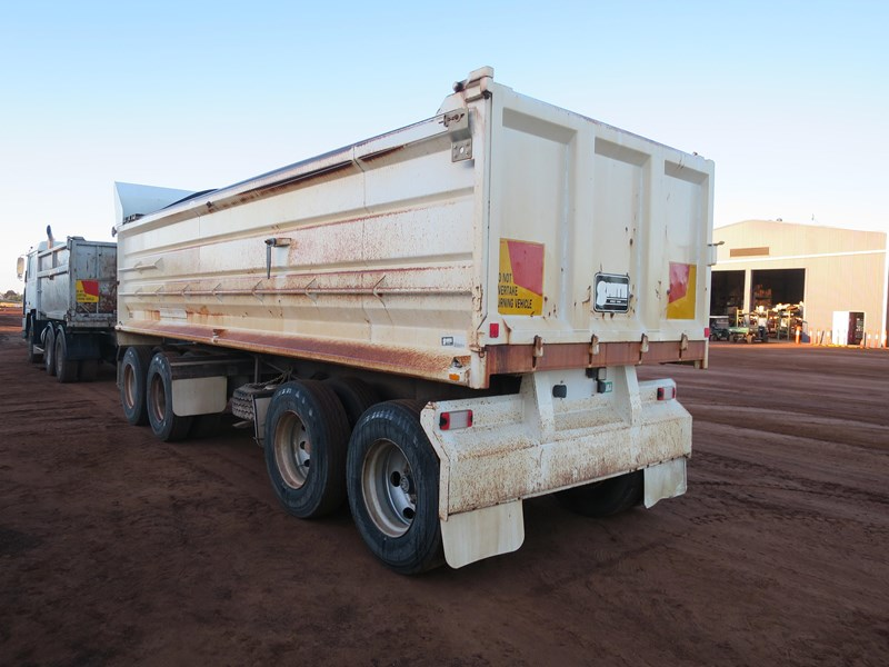 j smith & sons quad axle dog tipper 500807 004