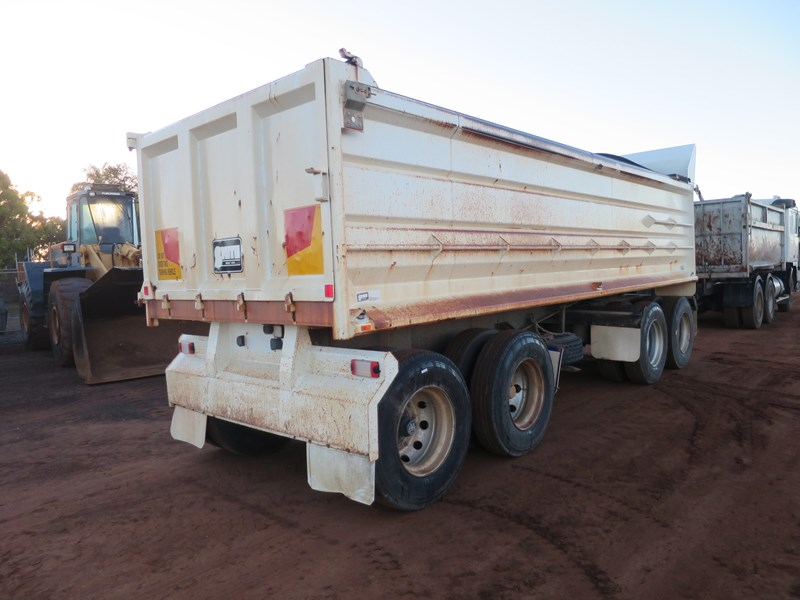 j smith & sons quad axle dog tipper 500807 006