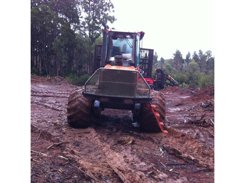 valmet 890-1 log forwarder 185302 006