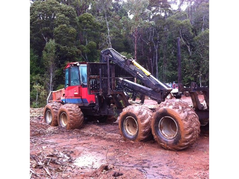 valmet 890-1 log forwarder 185302 008