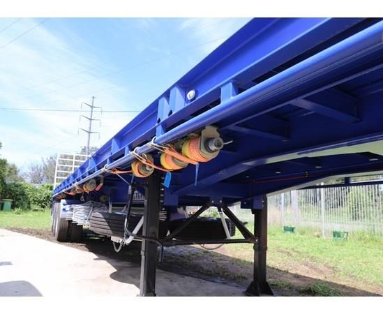 aaa 45' flat deck semi with pins 505232 003