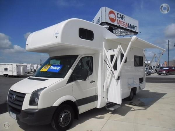 volkswagen crafter 4 berth beach 520155 001
