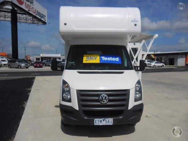 volkswagen crafter 4 berth beach 520155 003