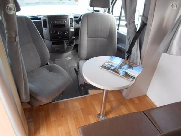 volkswagen crafter 4 berth beach 520155 007