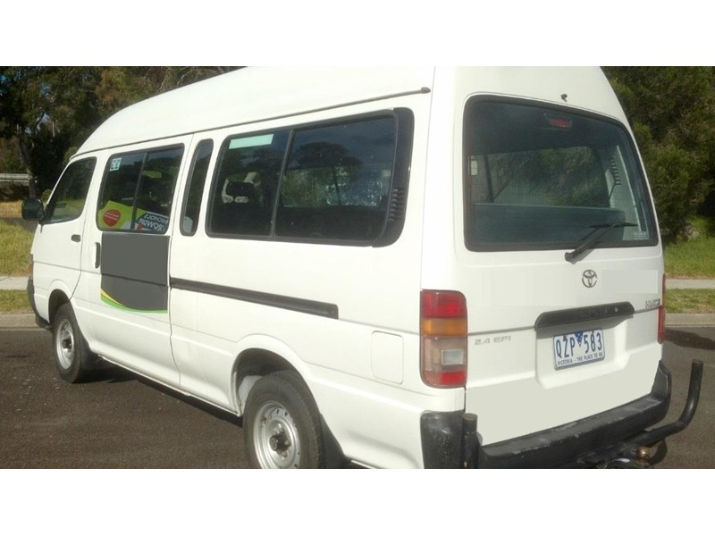 toyota hiace (only 90,000 km) 517873 002