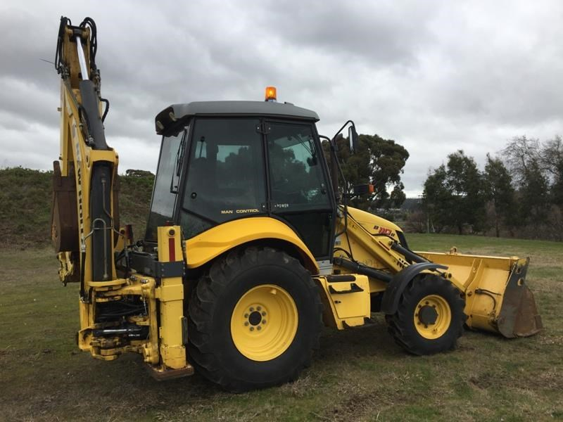 new holland b110b 523317 001