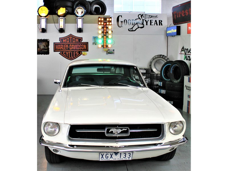 ford mustang 525402 018