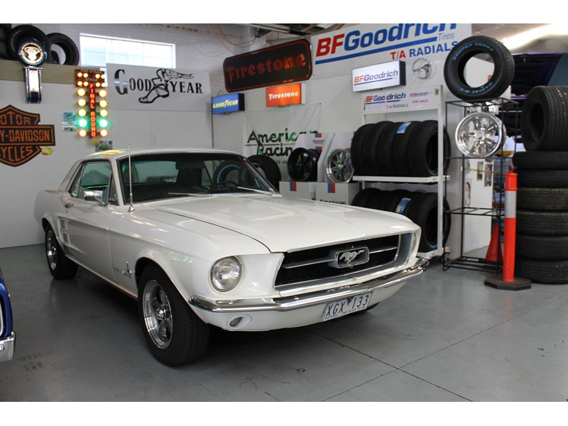 ford mustang 525402 019