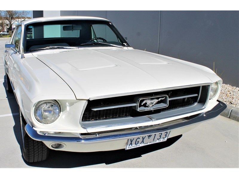 ford mustang 525402 009