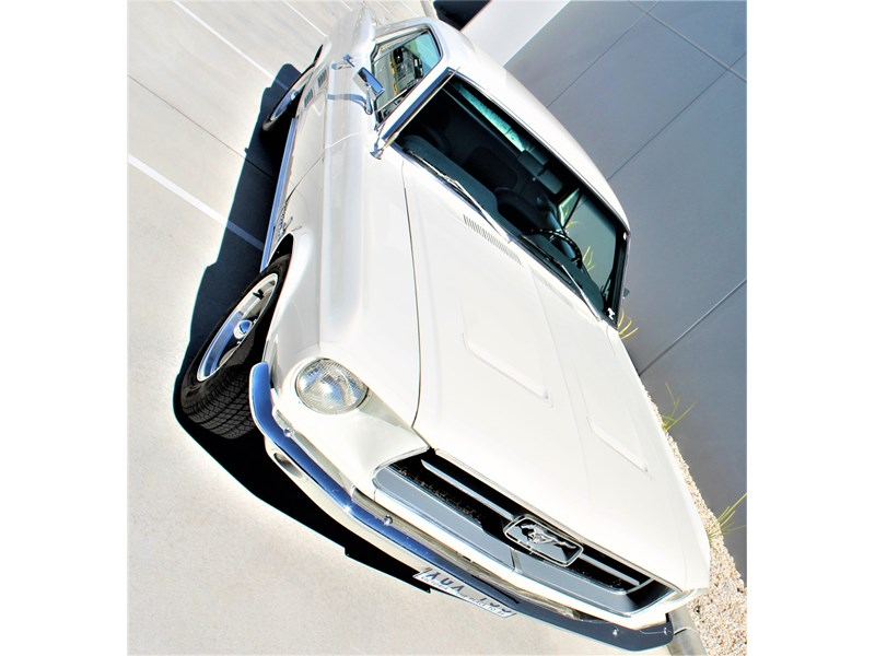 ford mustang 525402 012