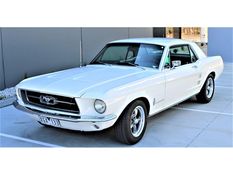 ford mustang 525402 024