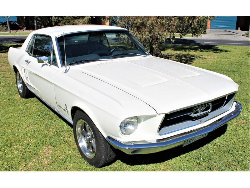 ford mustang 525402 042