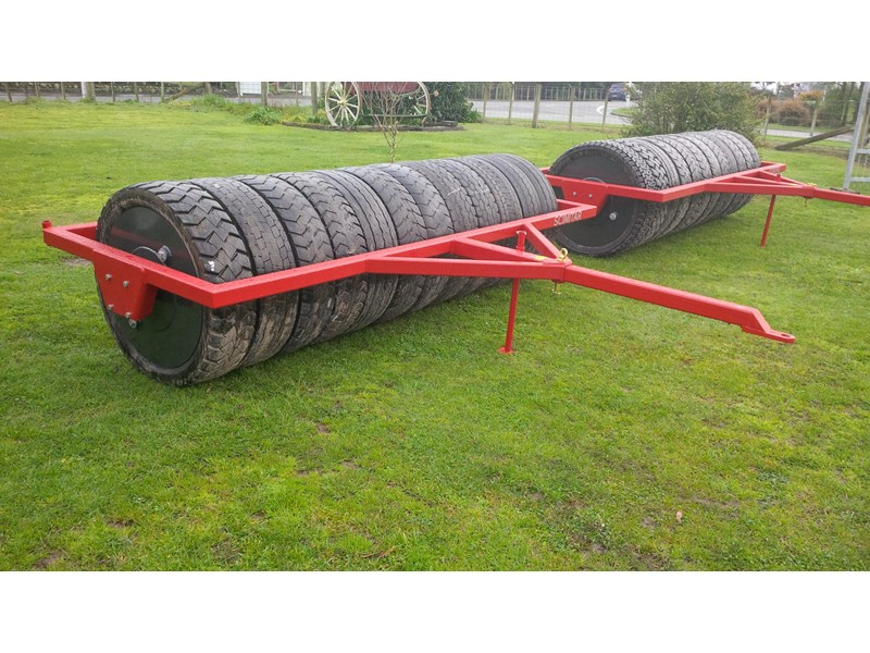scimitar 3m rubber tyred roller 27890 004