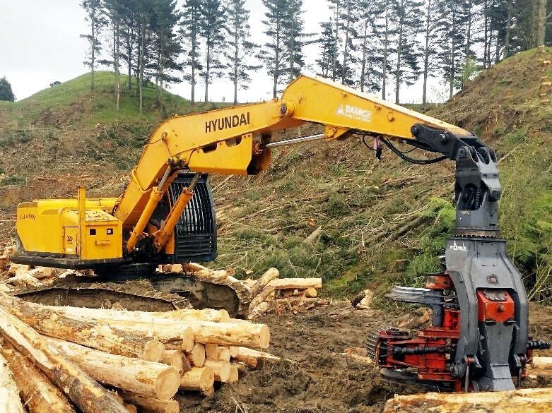 hyundai 320lc-9 logger with woodsman pro800 processor 525741 001