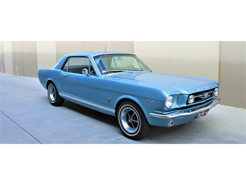ford mustang 529008 001