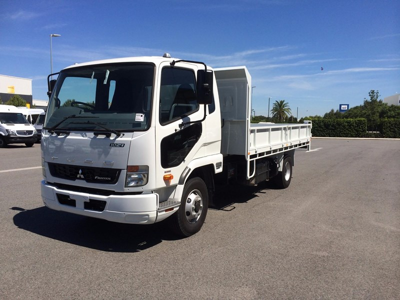 fuso fighter 1024 529138 001