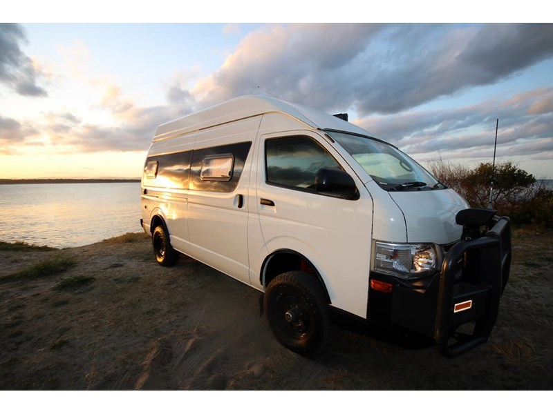 toyota 2013 hiace commuter - campervan conversion 516241 002
