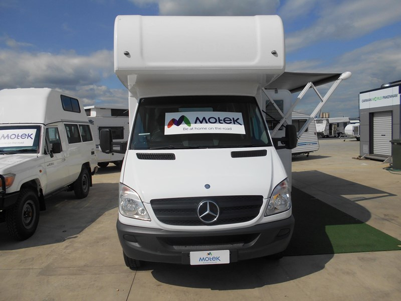 mercedes-benz sprinter 6 berth lake 532902 028