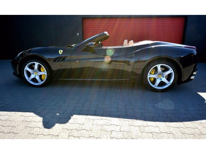 ferrari california 536590 002