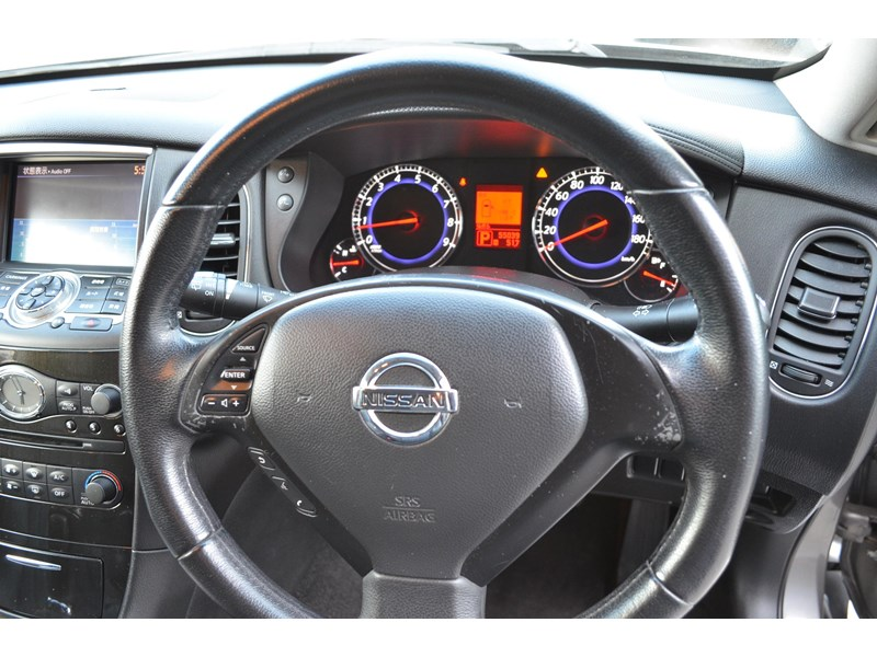 nissan 370gt crossover four 549821 008