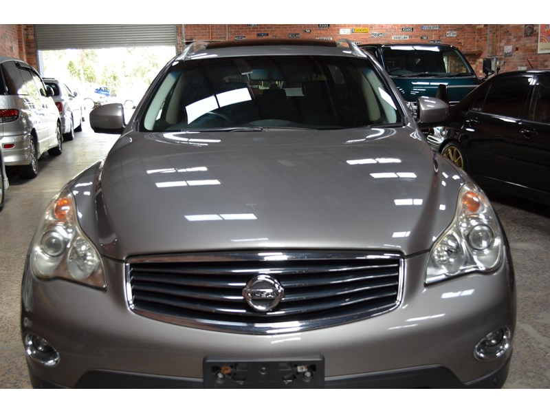 nissan 370gt crossover four 549821 022