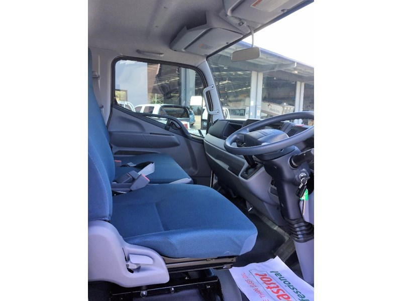 fuso canter 550038 008