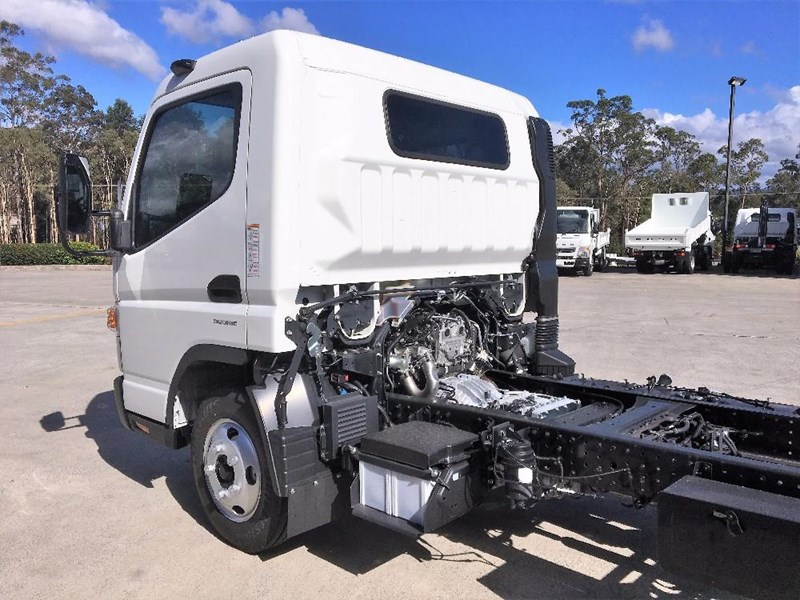 fuso canter 550038 007