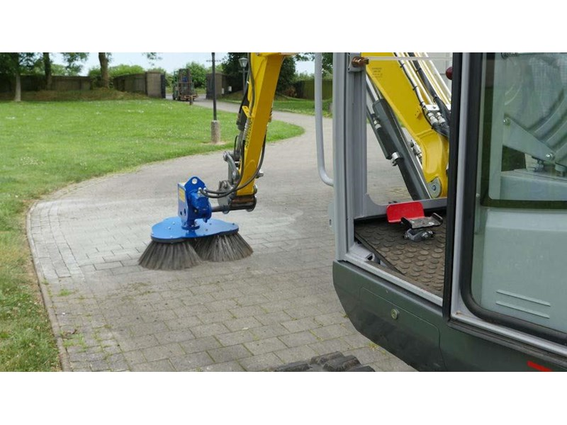 slanetrac rb80 sweeper with hitch 550890 002