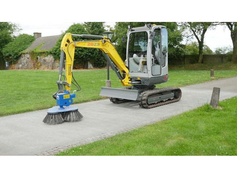 slanetrac rb80 sweeper with hitch 550890 008