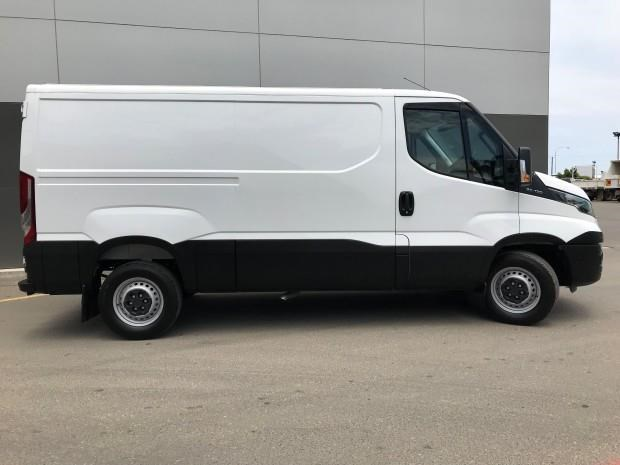 iveco daily 35s13 553211 009