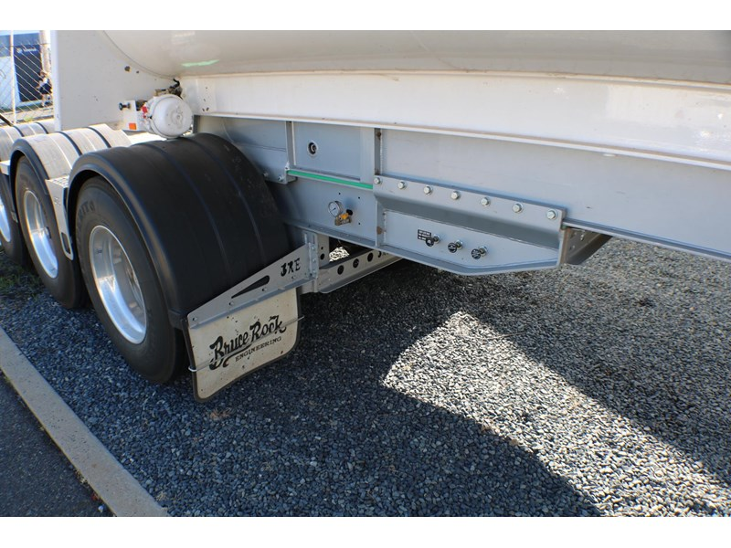 bruce rock engineering b-double slider bulk tippers 555491 026