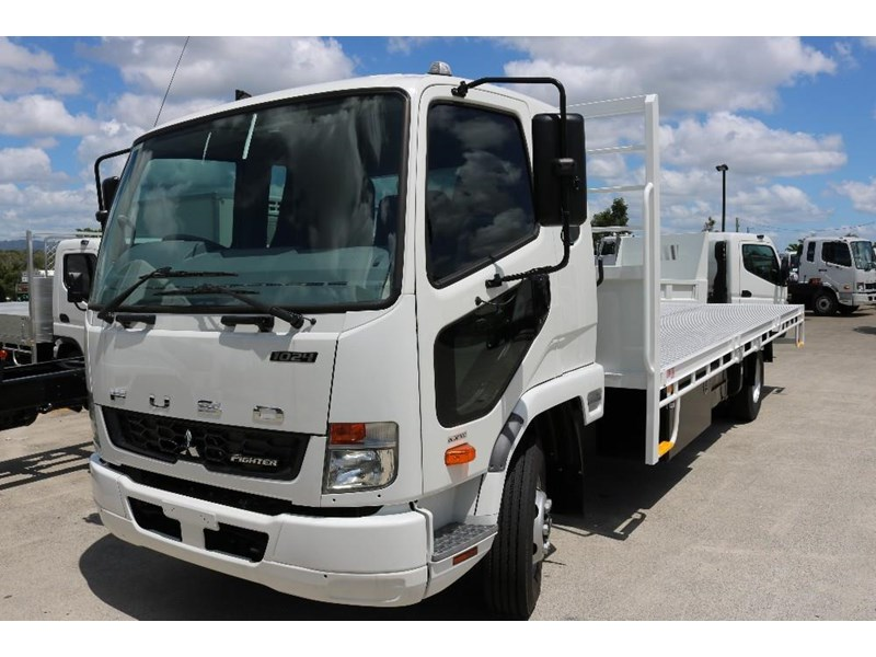 fuso fighter 556558 004