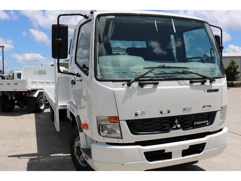 fuso fighter 556558 001